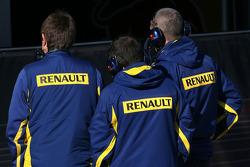 Renault technicians