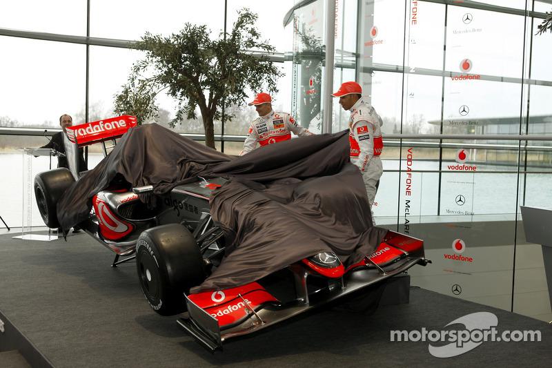 Lewis Hamilton and Heikki Kovalainen unveil the new McLaren Mercedes MP4-24