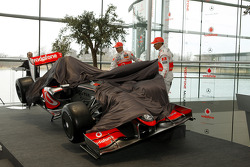 Lewis Hamilton and Heikki Kovalainen unveil the new McLaren Mercedes MP4-24