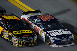 Dale Earnhardt Jr., Hendrick Motorsports Chevrolet and Elliott Sadler, Richard Petty Motorsports Dodge battle