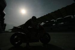 Nicky Hayden de l'équipe Ducati Marlboro