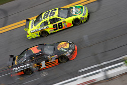 Paul Menard, Yates Racing Ford, Martin Truex Jr., Earnhardt Ganassi Racing Chevrolet