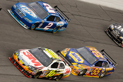 Greg Biffle, Roush Fenway Racing Ford, Michael Waltrip, Michael Waltrip Racing Toyota, Kurt Busch, Penske Racing Dodge