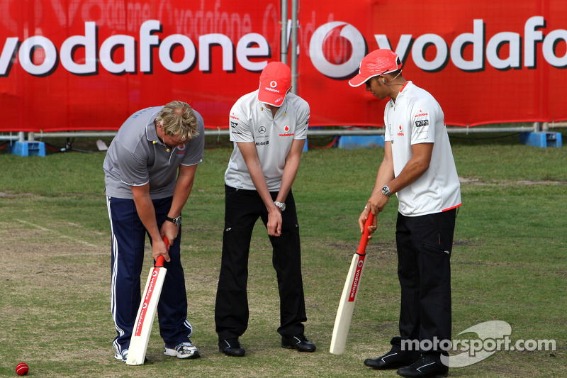 Heikki Kovalainen, McLaren Mercedes y Lewis Hamilton, McLaren Mercedes