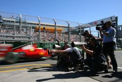 Photographers shoot Felipe Massa, Scuderia Ferrari, F60
