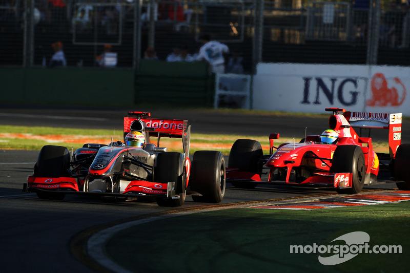 Lewis Hamilton, McLaren Mercedes, MP4-24; Felipe Massa, Scuderia Ferrari, F60