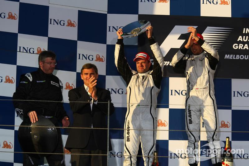 Podium: race winner Jenson Button, Brawn GP, second place Rubens Barrichello, Brawn GP, and Ross Bra