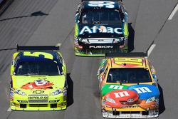 Mark Martin, Hendrick Motorsports Chevrolet, Kyle Busch, Joe Gibbs Racing Toyota, Carl Edwards, Roush Fenway Racing Ford