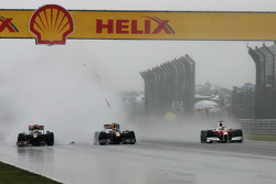 Accident of Sebastien Buemi, Scuderia Toro Rosso and Sebastian Vettel, Red Bull Racing, Jarno Trulli, Toyota Racing with a demolished car without the rear wing