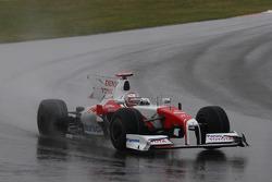 Jarno Trulli, Toyota Racing missing his rear wing