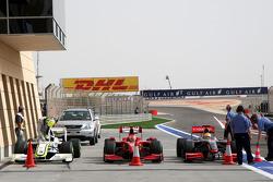 Jenson Button, Brawn GP, Kimi Raikkonen, Scuderia Ferrari, Lewis Hamilton, McLaren Mercedes