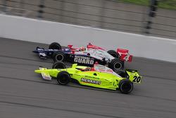 Dan Wheldon, Panther Racing et Ed Carpenter, Vision Racing roulent ensemble