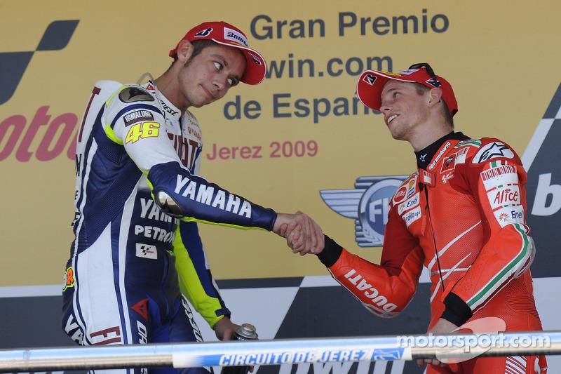 Podio: ganador de la carrera Valentino Rossi, Fiat Yamaha Team, tercer lugar Casey Stoner, Ducati Marlboro Team