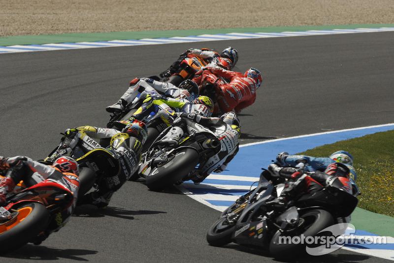 Inicio: Dani Pedrosa, Repsol Honda Team conduce el campo