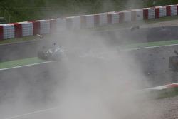 Crash with Adrian Sutil, Force India F1 Team, Sebastien Buemi, Scuderia Toro Rosso, Sébastien Bourdais, Scuderia Toro Rosso and Jarno Trulli, Toyota F1 Team