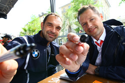 Jorg Muller, BMW Team Germany, BMW 320si and Andy Priaulx, BMW Team UK, BMW 320si at the Autograph Session