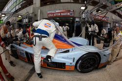 Pit stop for #007 AMR Eastern Europe Lola Aston Martin: Stefan Mücke, Jan Charouz, Tomas Enge