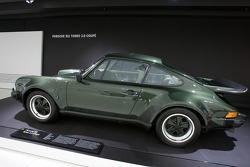 1976 Porsche 911 Turbo 3.0 Coupe_