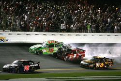 Kyle Busch, Joe Gibbs Racing Toyota is hit by Kasey Kahne, Richard Petty Motorsports Dodge after crashing with Tony Stewart, Stewart-Haas Racing Chevrolet