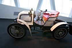 Silver arrows: 1900 23 hp Daimler Phoenix racing car