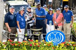 Victory lane: race winner Jimmie Johnson, Hendrick Motorsports Chevrolet