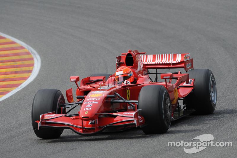 Michael Schumacher, Scuderia Ferrari, prueba el F2007 preparándose para su regreso