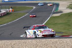 #76 IMSA Performance Matmut Porsche 997 GT3 RSR: Raymond Narac, Patrick Pilet