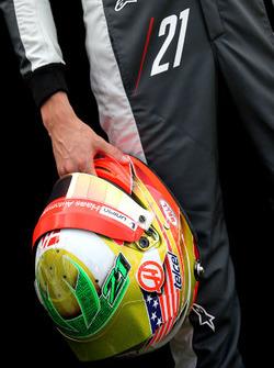 Il casco di Esteban Gutierrez, Haas F1 Team