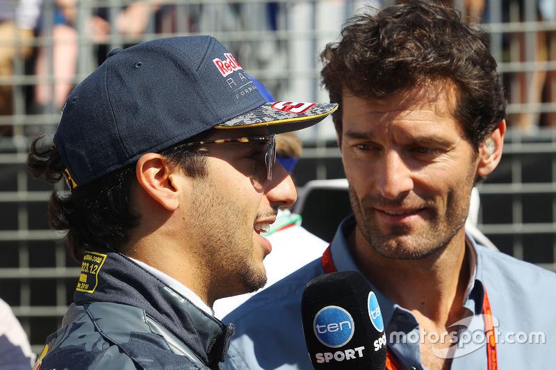 Daniel Ricciardo (Red Bull Racing) és Mark Webber, Porsche Team WEC versenyző és Channel 4 tudósító
