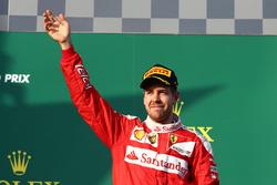 Подиум: третье место - Себастьян Феттель, Ferrari
