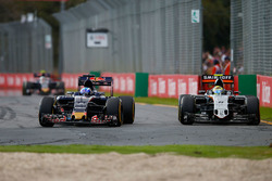 Max Verstappen, Scuderia Toro Rosso STR11 and Sergio Perez, Sahara Force India F1 VJM09