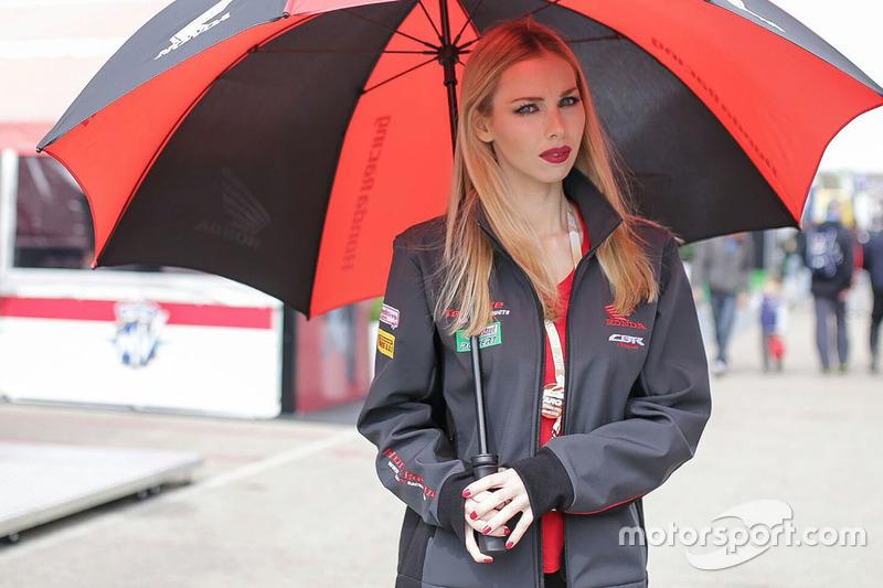 Grid girl (MotoGP)