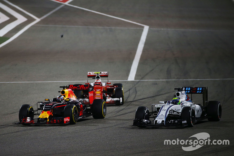 Kimi Raikkonen, Ferrari SF16-H, Daniel Ricciardo, Red Bull Racing RB12 and Felipe Massa, Williams FW38