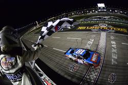 Zielflagge für Kyle Busch, Joe Gibbs Racing, Toyota
