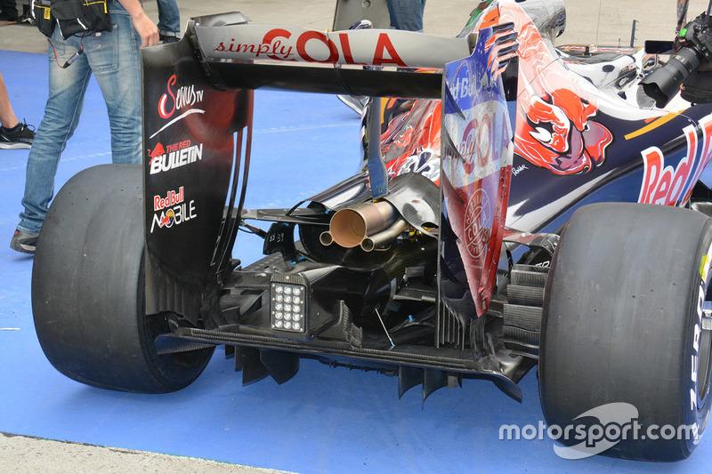 Scuderia Toro Rosso STR11, il posteriore