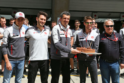 Romain Grosjean, Haas F1 Team celebra su cumpleaños con el equipo