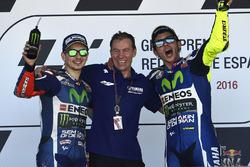 Podium: ganador, Valentino Rossi, Yamaha Factory Racing, segundo, Jorge Lorenzo, Yamaha Factory Racing