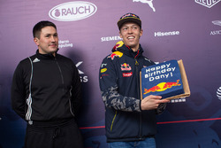 Daniil Kvyat, Red Bull Racing, festeggia il compleanno