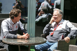 Esteban Gutierrez, Haas F1 Team with Guenther Steiner, Haas F1 Team Prinicipa