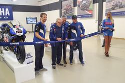Açılış töreni,  Sylvain Guintoli ve Alex Lowes