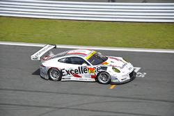 #33 Excellence Porsche Team KTR Porsche 911 GT3-R: Naoya Yamano, Jorg Bergmeister