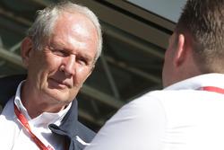 El Dr. Helmut Marko, Red Bull Consultor Motorsport con Jos Verstappen