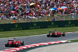 Sebastian Vettel, Ferrari SF16-H lidera a su compañero Kimi Raikkonen, Ferrari SF16-H