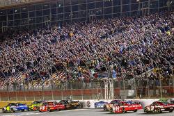Start: Jimmie Johnson, Hendrick Motorsports Chevrolet and Mark Martin, Hendrick Motorsports Chevrolet lead the field