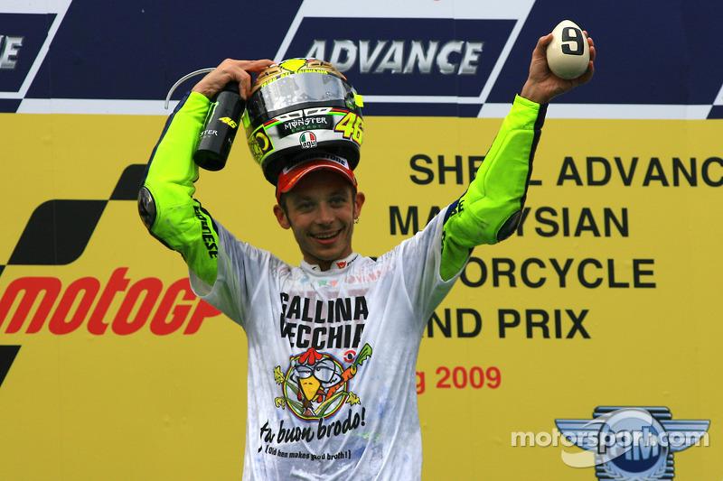 Podio: Campeón de MotoGP 2009 Valentino Rossi, Fiat Yamaha Team celebra