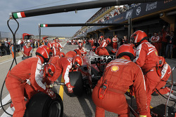 F1 exhibition: pit stop for Felipe Massa