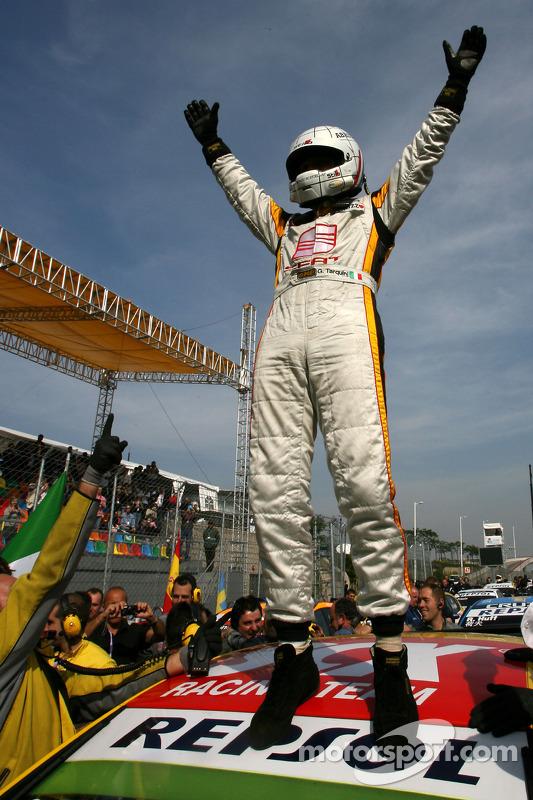 WTCC 2009 champion Gabriele Tarquini, Seat Sport, Seat Leon 2.0 TDI