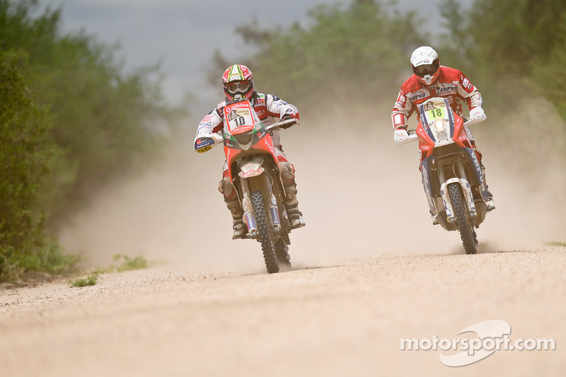 #10 BMW: Paulo Goncalves, #18 KTM: Jacek Czachor