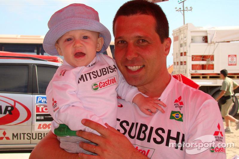 Guilherme Spinelli avec son fils