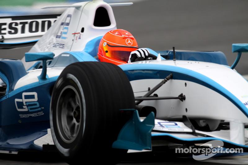 Michael Schumacher prueba un auto de la GP2